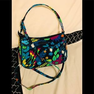 🦋Vera Bradley Little crossbody purse (Like New)🦋
